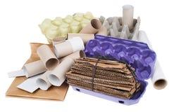 Spreco riciclabile del cartone isolato su bianco Fotografia Stock