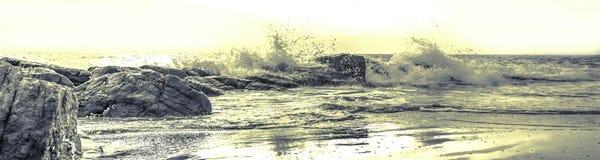 Sprej på vågor Arkivbild