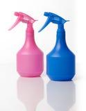 Sprejrengöringsmedelflaskor Fotografering för Bildbyråer