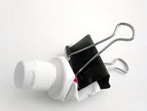 Spremuta del tubo di dentifricio in pasta immagini stock libere da diritti