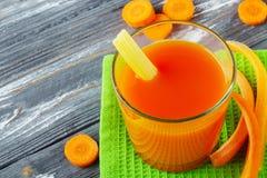 Spremuta di carota fresca Immagini Stock