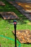 Sprenger der automatischen Bewässerung lizenzfreie stockfotos