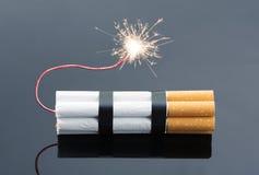Sprengstoffe von den Zigaretten Lizenzfreie Stockbilder