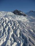 sprickan fyllde den franz glaciären josef royaltyfria bilder
