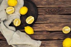 Spridda gula citroner Royaltyfria Bilder