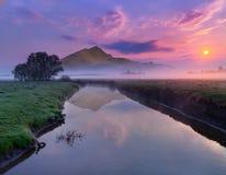 Spring landskap på floden Fotografering för Bildbyråer