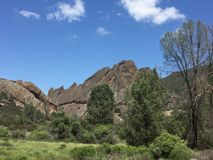 Pinnacles national park machete Ridge with trees and clouds Royalty Free Stock Photography