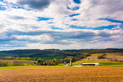 Spring view of farm fields and rolling hills in York County, Pen Stock Photography
