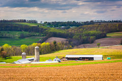 Spring view of farm fields and rolling hills in York County, Pen Stock Photo