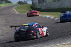 Springa för Porsche Carrera koppItalia bil Royaltyfria Foton