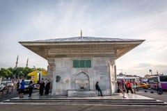 Springbrunn av Ahmed III (dar Ãœskà ¼) i Istanbul, Turkiet Arkivbilder