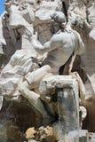 Springbrunn av de fyra floderna i den Navona fyrkanten Royaltyfri Bild