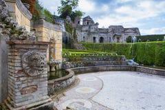 Springbrunn av den viktiga världsarvet för villaestetivoli och Royaltyfri Foto