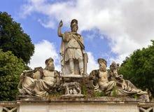 Springbrunn av gudinnan i Roma, Italien royaltyfria foton