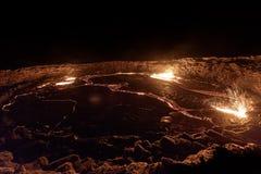 Springbrunn av lava på Erta öl arkivbilder