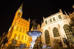 Springbrunn av Neptun i gammal stad av Gdansk, Polen Arkivfoto