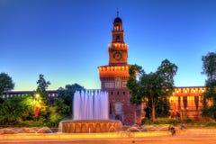 Springbrunn av piazza Castello i Milan Royaltyfria Bilder