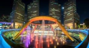 Springbrunn av rikedom på Suntec stadstorn, Singapore Arkivfoton