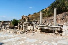 Springbrunn av Trajan, Nymphaeum Traiani, i Ephesus den forntida staden, Selcuk, Turkiet Fotografering för Bildbyråer