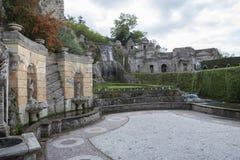 Springbrunn av villaEsteTivoli den viktiga världsarvet och I Arkivfoto