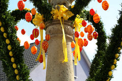 Springbrunn dekorerade påskägg Arkivbild