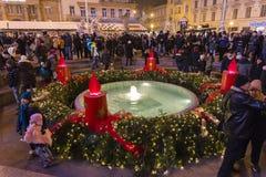 Springbrunn för ManduÅ ¡ evac på jul, Zagreb, Kroatien arkivfoton
