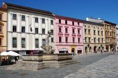 Springbrunn för Neptun` s på den lägre fyrkanten i Olomouc Arkivbild