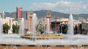 Springbrunn i Barcelona, Spanien stock video