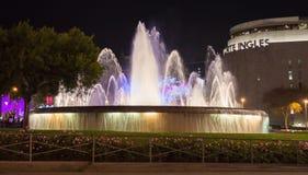 Springbrunn i den Catalonia plazaen på Barcelona Spanien Royaltyfri Fotografi