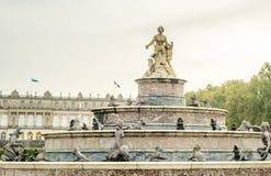 Springbrunn i den Herrenchiemsee slotten i Tyskland Fotografering för Bildbyråer