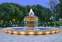 Springbrunn i den klassiska stilen Royaltyfria Foton
