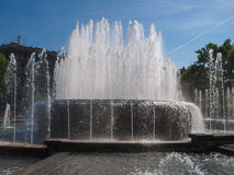Springbrunn i Milan Royaltyfria Bilder