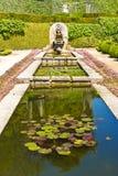 Springbrunn i Palacio de Cristal Trädgård, Porto, Portugal Royaltyfri Foto
