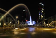 Springbrunn i stadsliv, Milan, Italien Fotografering för Bildbyråer
