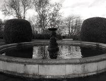 Springbrunn nära Alexandra Palace Royaltyfri Fotografi