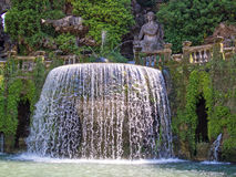 Springbrunn och statyer, Tivoli, Italien Royaltyfria Bilder