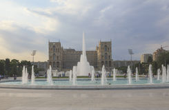 Springbrunn på boulevarden i Baku Royaltyfri Fotografi