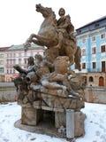 Springbrunn på den huvudsakliga fyrkanten Olomouc, Tjeckien arkivbilder