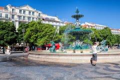 Springbrunn på den Rossio fyrkanten i Lissabon Lissabon är huvudstaden av Portugal Royaltyfria Foton