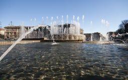 Springbrunn på den Sforza slotten i Milan Arkivbild