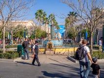 Springbrunn på det Disney Kalifornien affärsföretaget Fotografering för Bildbyråer