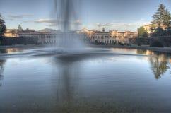 Springbrunn på Giardini Estensi, Varese Arkivbild