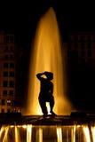 Springbrunn på natten i Madrid Royaltyfria Foton