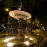 Springbrunn på natten i Madrid, Spanien Royaltyfria Foton