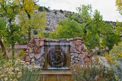 Springbrunn på Ojo Caliente Hot Springs Royaltyfri Foto