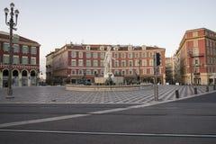 Springbrunn på plats Massena i Nice Fotografering för Bildbyråer