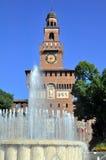 Springbrunn på Sforzesco castel, Milan Arkivfoton