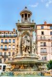 Springbrunn på ställedes Jacobins i Lyon, Frankrike royaltyfri fotografi