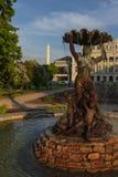 Springbrunn på teatern i Riga royaltyfria foton
