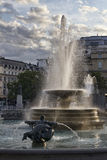 Springbrunn på Trafalgar Square London Royaltyfria Foton